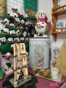 curso de manualidades decoupage, gomaeva, arbol navideño en patchwork de doart